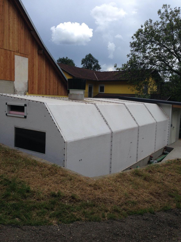 apannone modulare in vetroresina coibentata progettato per ospitare suinetti da svezzamento