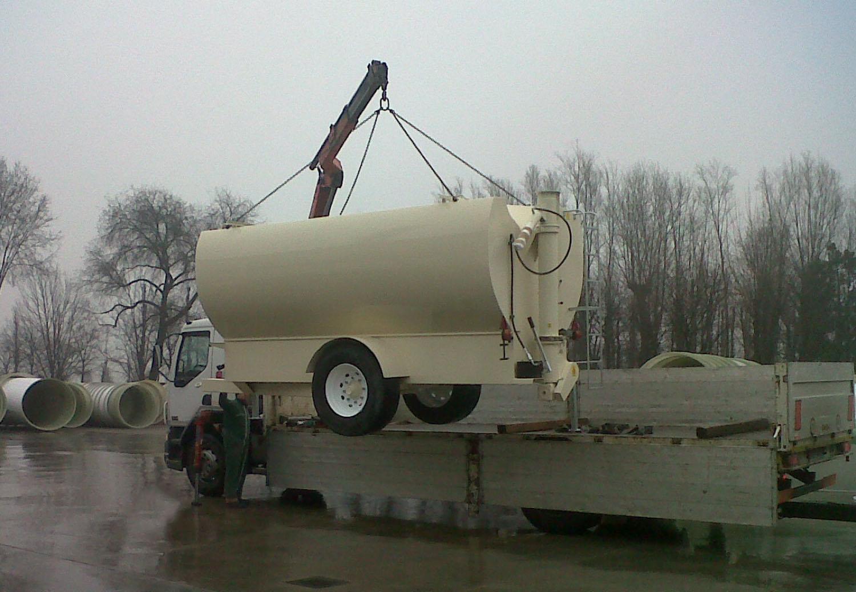 Le cisterne carrellate a scarico cocleare Mod. AG